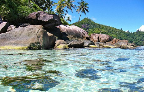 Baie Lazare - Anse Royale (10 mn)