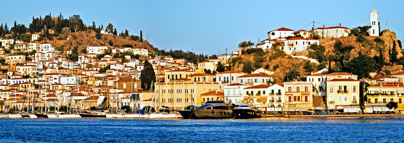 Yacht charter in Poros