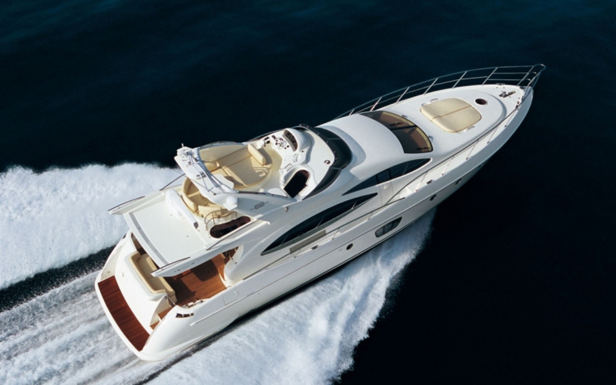 Azimut 68 'Beauty' en Grecia