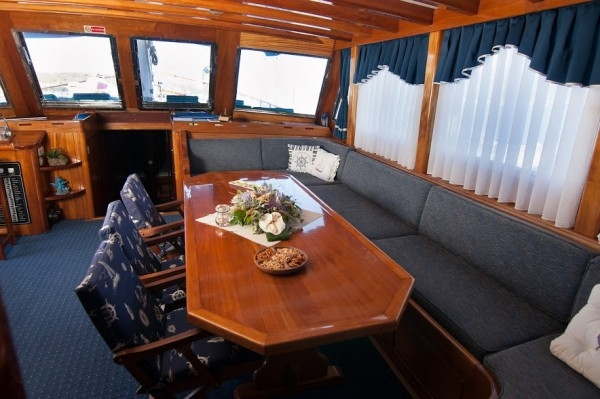 Andi Star Luxury 10/14 pax - Alquiler goleta con tripulación