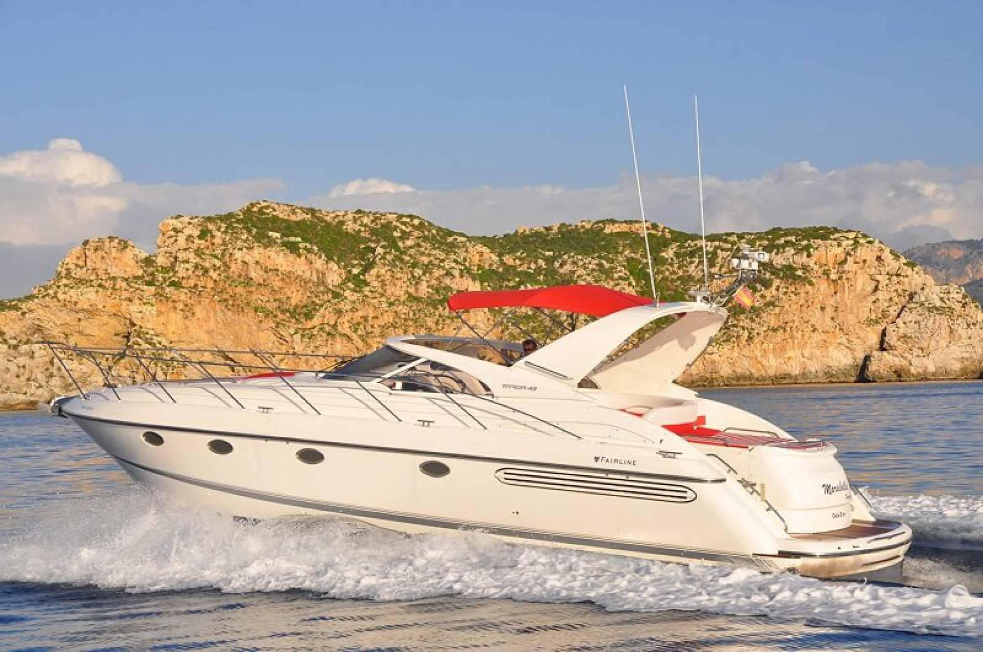 Yate de alquiler Fairline Targa 43 navegando