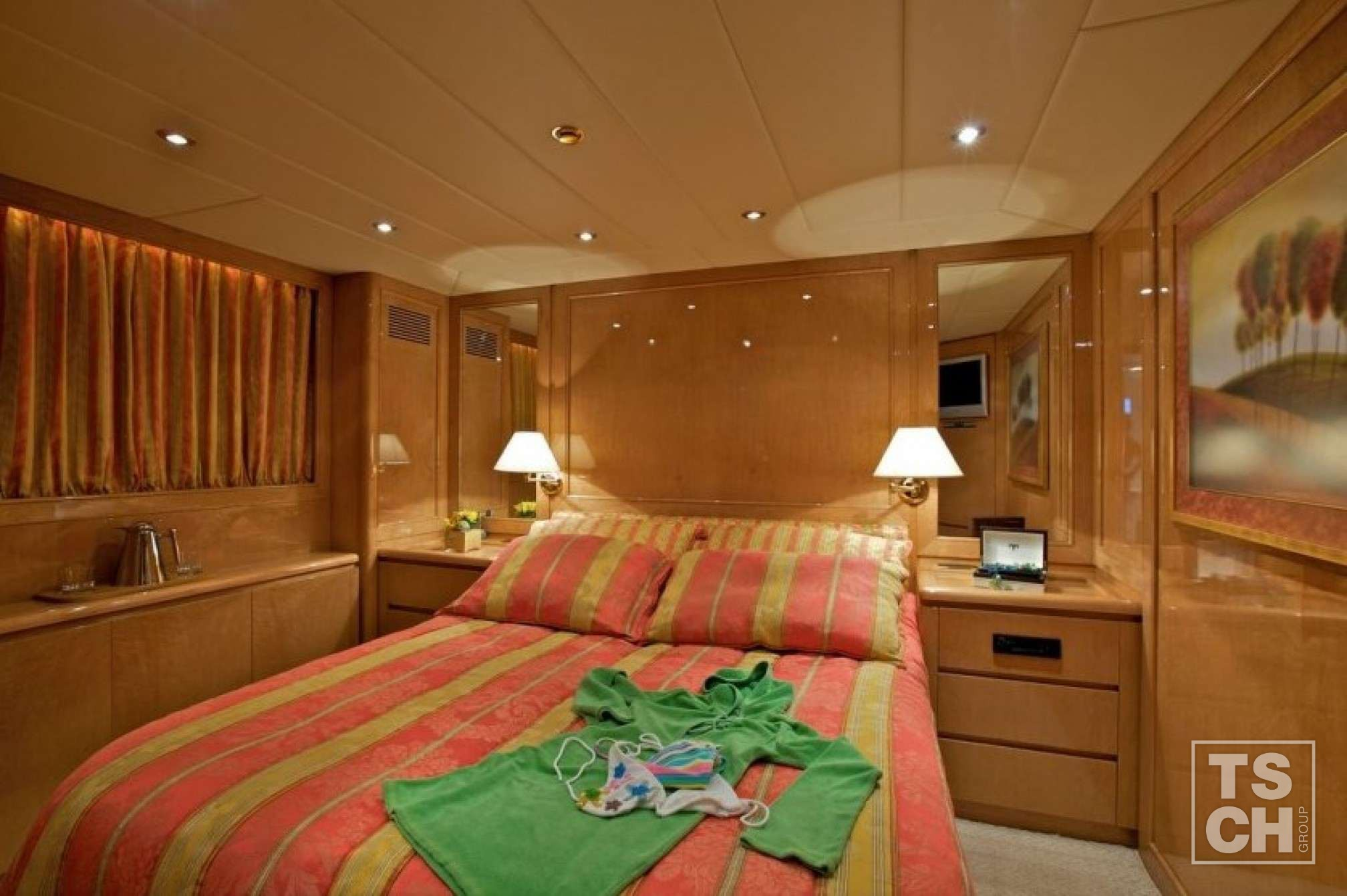 Lady Ellen Mega Yacht Bedroom
