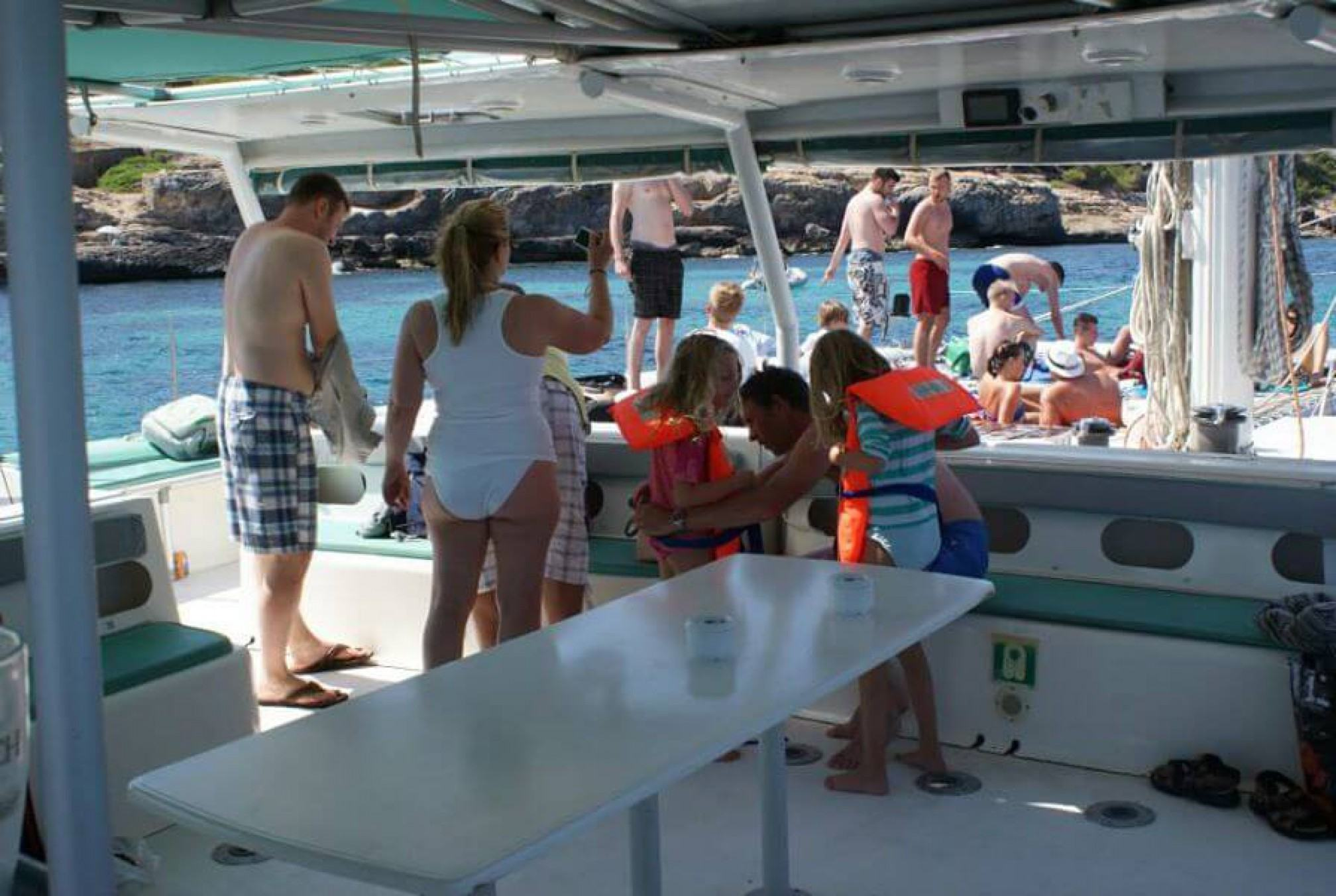 Magic Catamaranes charter day en familia