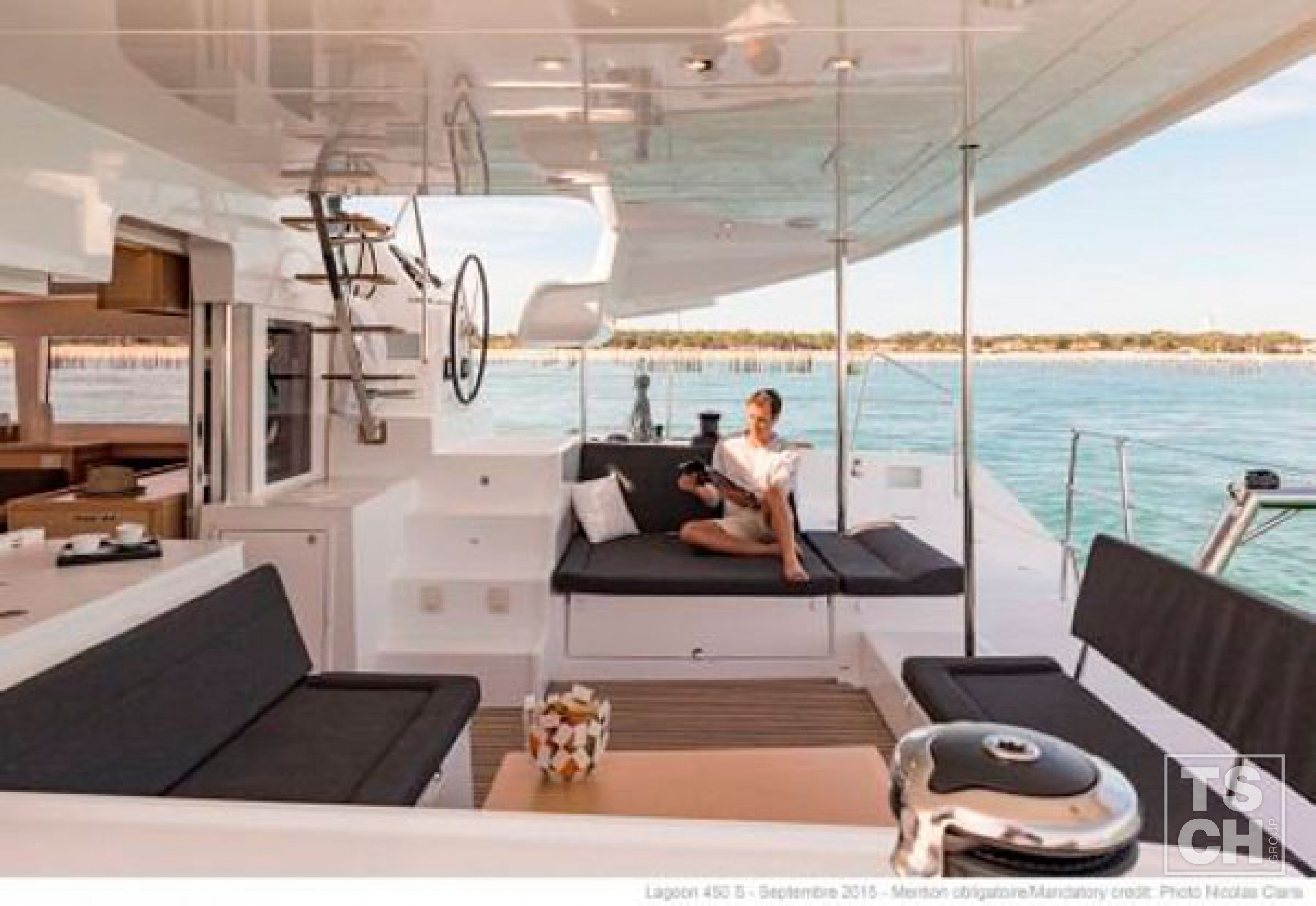 Lagoon 450S catamaran outdoors saloon