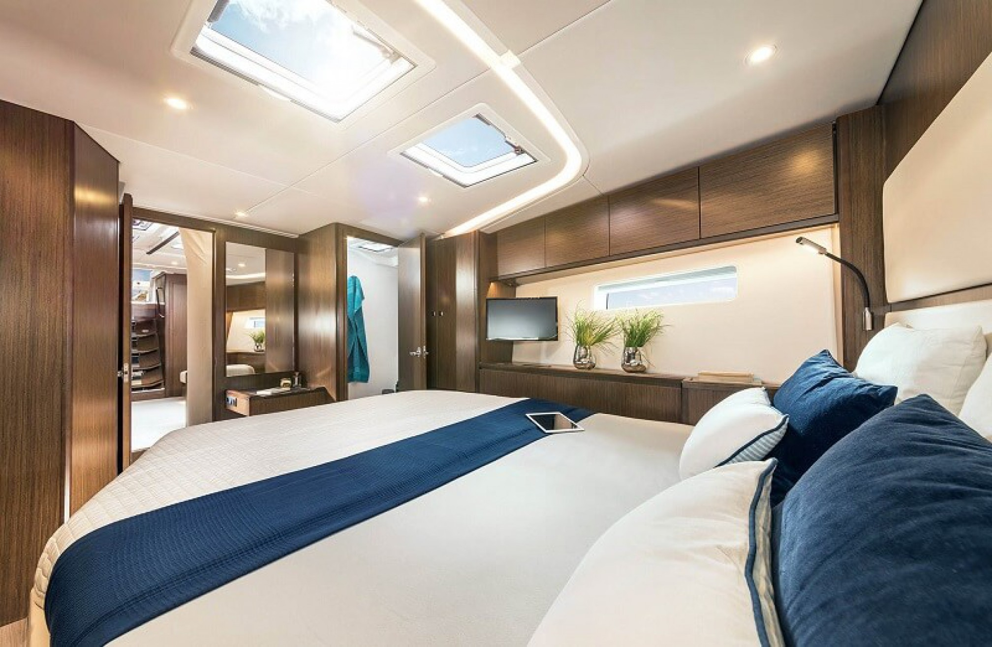Velero de alquiler Bavaria 57C cabina