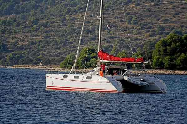 Outremer 45 (4cab + 1)