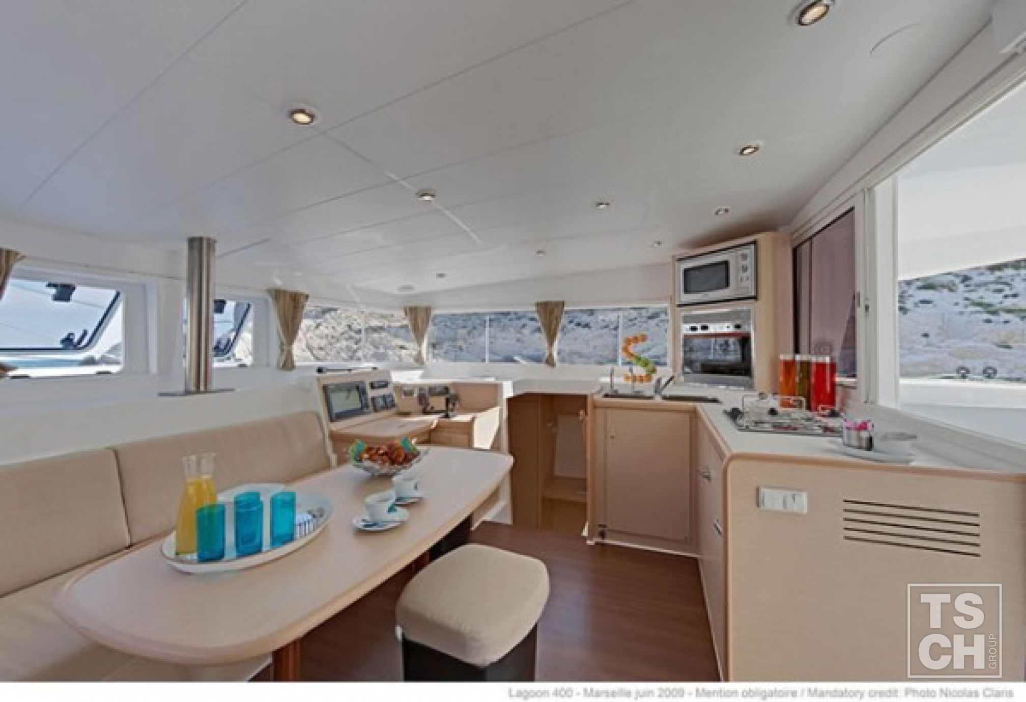 Lagoon 400- salon interior