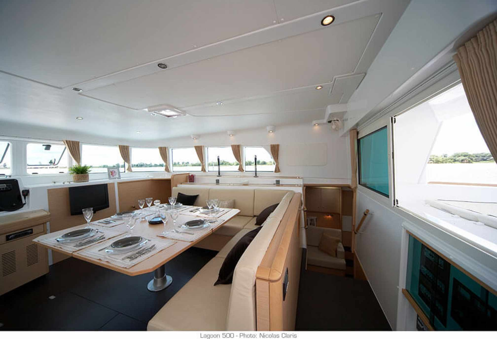 Lagoon 500 catamaran charter salon